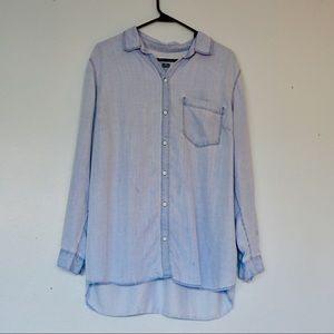 OLD NAVY soft denim light blue button down shirt